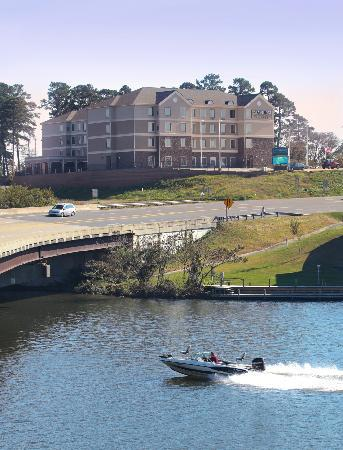 Staybridge Suites Hot Springs: Our Hotel on Beautiful Lake Hamilton