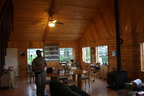 Bear Mountain Lodge: Inside lodge