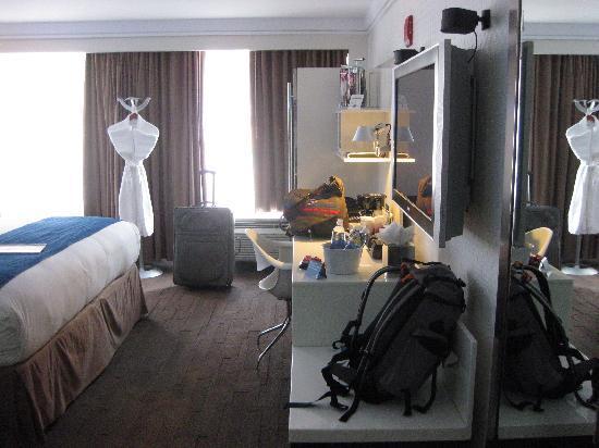 โรงแรมเลอบัว: Good desk space