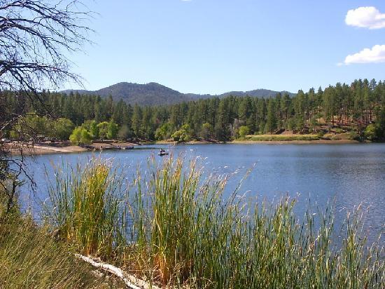 Lynx Lake Recreation Area: Hiking around the lake
