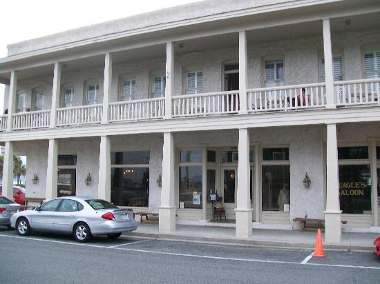 Riverview Hotel: RiverView and eagle Saloon