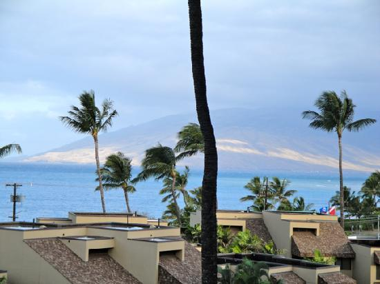 Kamaole Beach Royale Resort: View from the Lanai