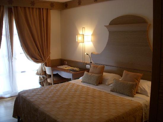 Grand Hotel Savoia: 広々したお部屋