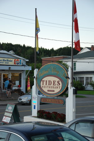 Tides Restaurant: Front sign of TIDES