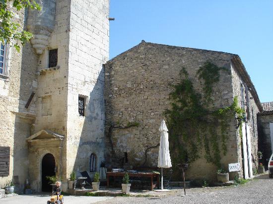 Chateau Petit Sonnailler: Le Chateau Petit Sonnaillier