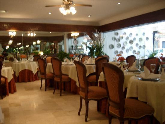 Antara Hotel: Comedor