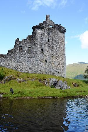 Rabbie's: Ruins of Kilchurn Castle