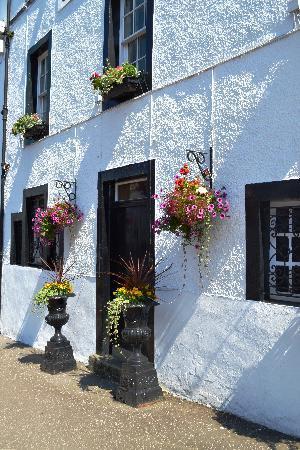Rabbie's: Village of Inveraray