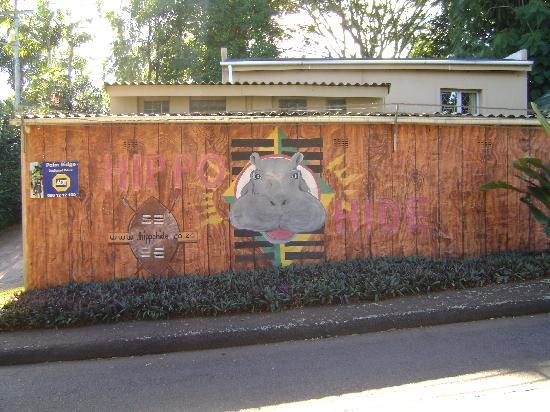 2 Jesmond Road Lodge: The Wall at Hippo Hide