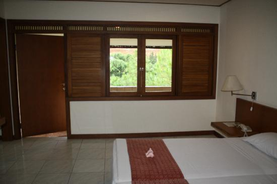 Cipaku Indah Hotel: spacious room
