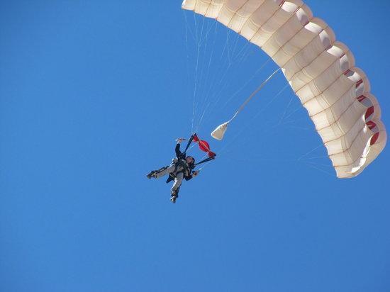 Skydive Las Vegas : coming down