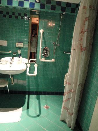 Al Gabbiano Hotel: Bathroom