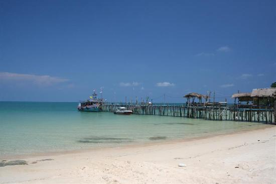 Silver Sand Resort : One of many nice beaches on Koh Samed