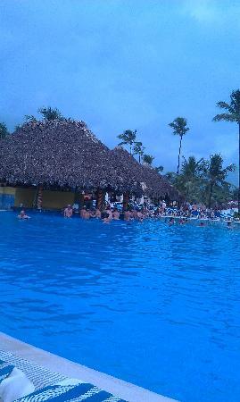 Grand Bahia Principe Punta Cana : main pool by the beach