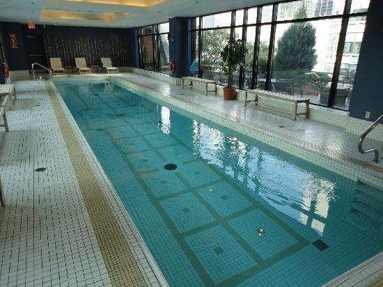 โรงแรมอินเตอร์คอนติเนนตัน มอนทรีออล: piscine