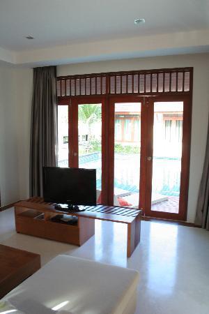 L'esprit de Naiyang Resort: living room