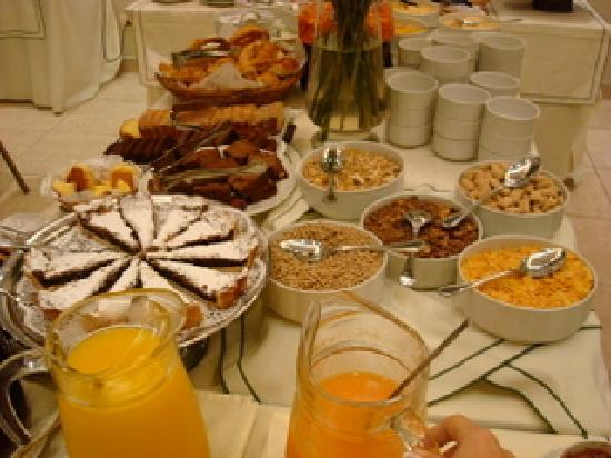 Hotel Boutique Reino Del Plata: Breakfast