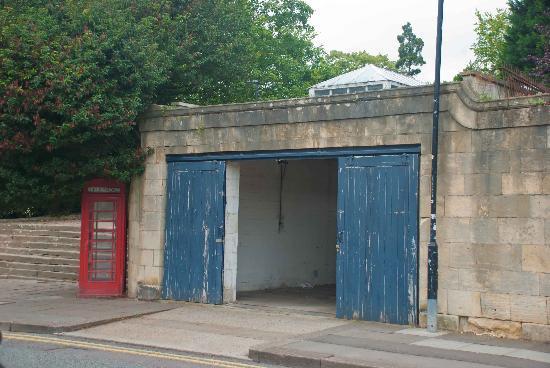 Queens Parade Place: Garage doors
