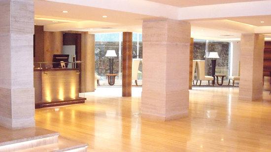 Hilltop Hotel Mumbai: Lobby