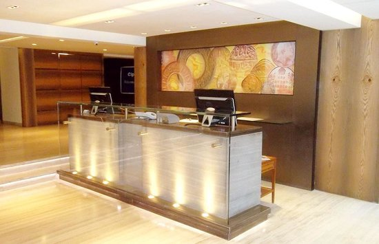 Hilltop Hotel Mumbai: Front Desk and Reception