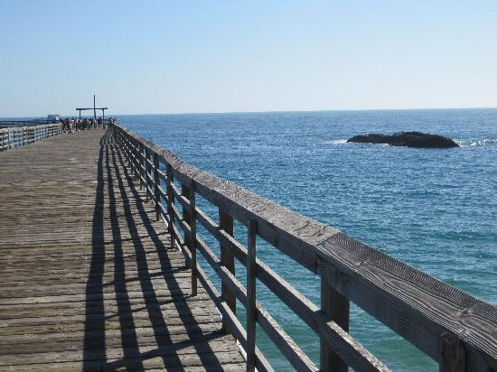 Rosarito Beach Hotel: Pier for fishin and walking.
