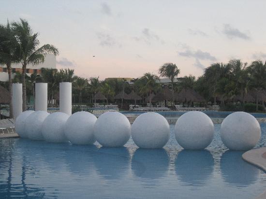 Mayan Palace Vidanta Riviera Maya: Pool in the morning