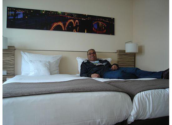 โมเวนพิคโฮเต็ล อัมสเตอร์ดัมซิตี้เซ็นเตอร์: large comfortable bed