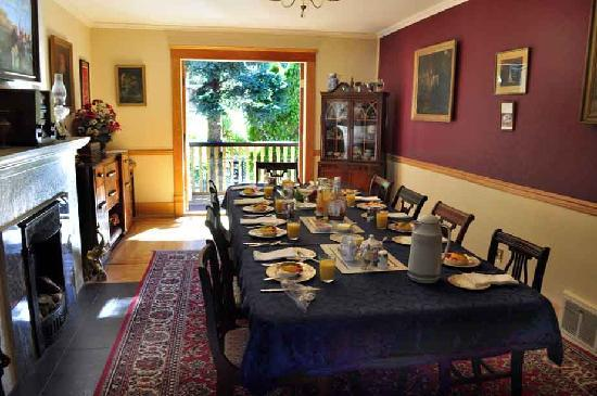 Joyce House Bed & Breakfast: Joyce House dining room