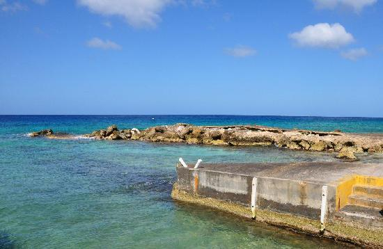 Ocean Wave : Swimming/snorkeling/diving/fishing spot just a minute's walk from the apartment