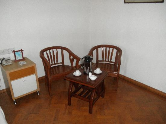Hotel Mandalay: a place to sit - though the hardwood-chairs are not overly comfortable after a while