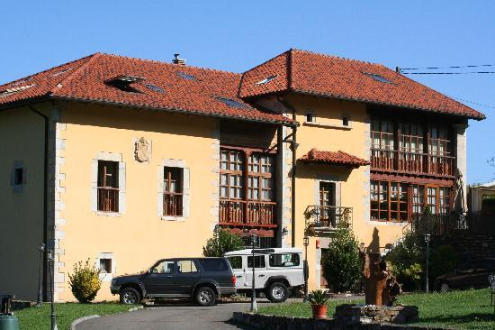 Grado, İspanya: Fachada hotel