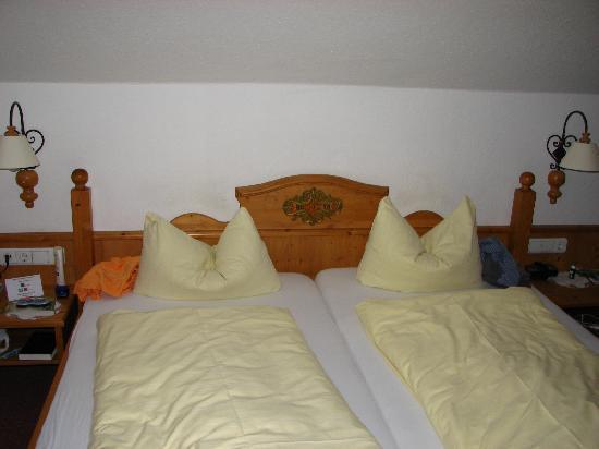 Gastehaus Maria: Room bed(Kramer)