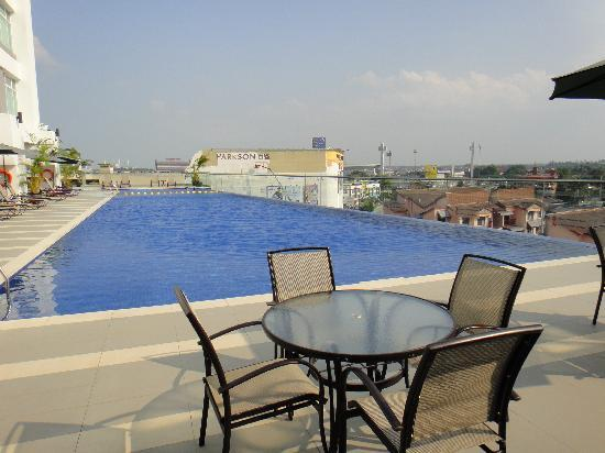 The Zenith Hotel, Kuantan: Swimming pool
