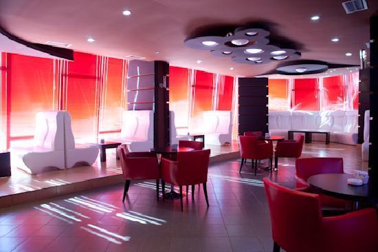 Vila Aeroport: Hotel bar