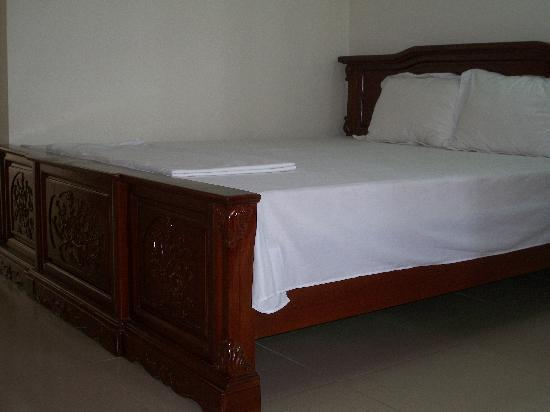 Ky Moi Hotel : Bed in single room