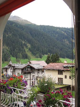 Hotel National Davos: uitzicht vanaf balkon