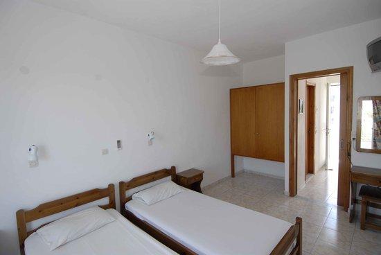 Fania Apartments : 2