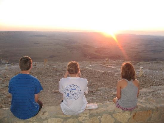Ramon Suites Hotel: Lever du soleil sur le cratère
