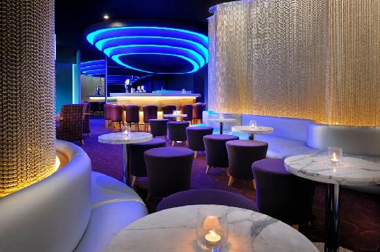 Ramada Jumeirah: Magnum - Night Club