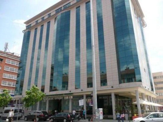 Hotel Asset Torrejon: Fachada principal del Hotel