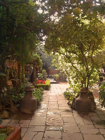 Dwarika's Hotel: Dwarikas courtyards