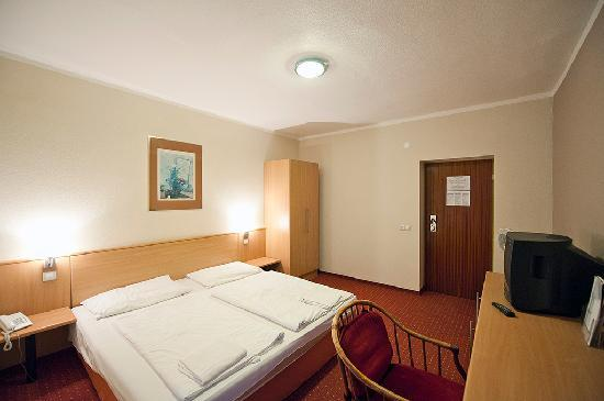 Lido Hotel Budapest: double room