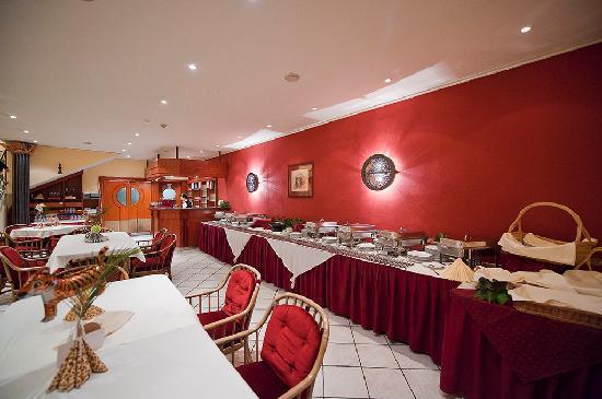 Lido Hotel Budapest: restaurant - dinning room