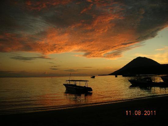 Остров Бунакен, Индонезия: tramonto indimenticabile