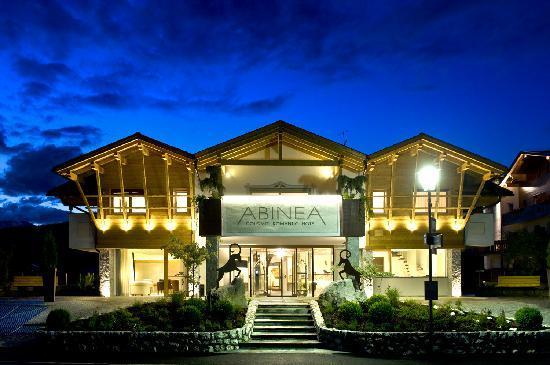 ABINEA Dolomiti Romantic SPA Hotel: Hotel front