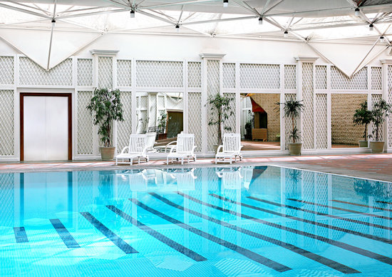 Sheraton Riyadh Hotel & Towers: Indoor Swimming Pool at the Sheraton Riyadh
