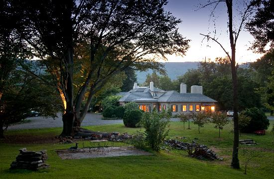 Glen Gordon Manor: South Side Manor House