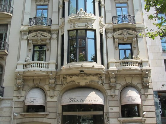 Hotel Montecarlo Barcelona : The front of the hotel