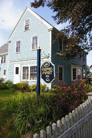 Home Port Inn: Exterior