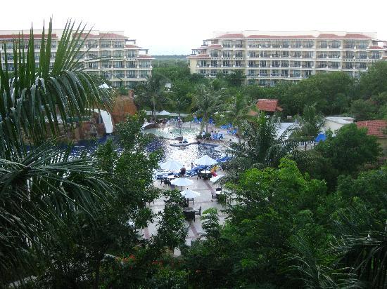 Hotel Marina El Cid Spa & Beach Resort : Big but not too big